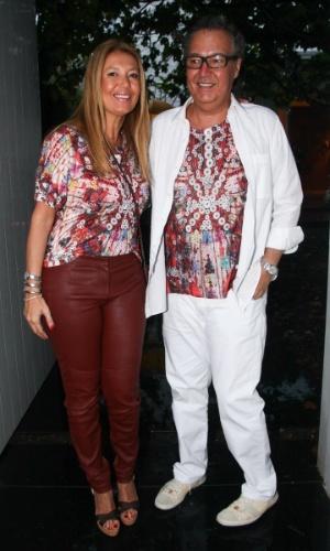 23.nov.2013 - Donata Meirelles e o marido, Nizan Guanaes, no aniversário da jornalista Ticiana Villas Boas no Jardim Europa, em São Paulo