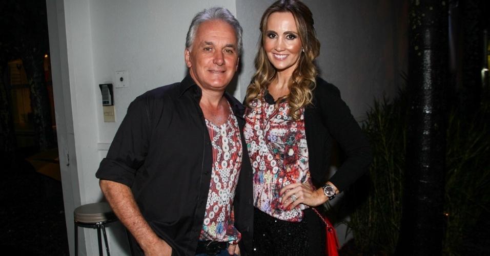 23.nov.2013 - Otávio Mesquita com a mulher, Melissa Wilman, no aniversário da jornalista Ticiana Villas Boas no Jardim Europa, em São Paulo