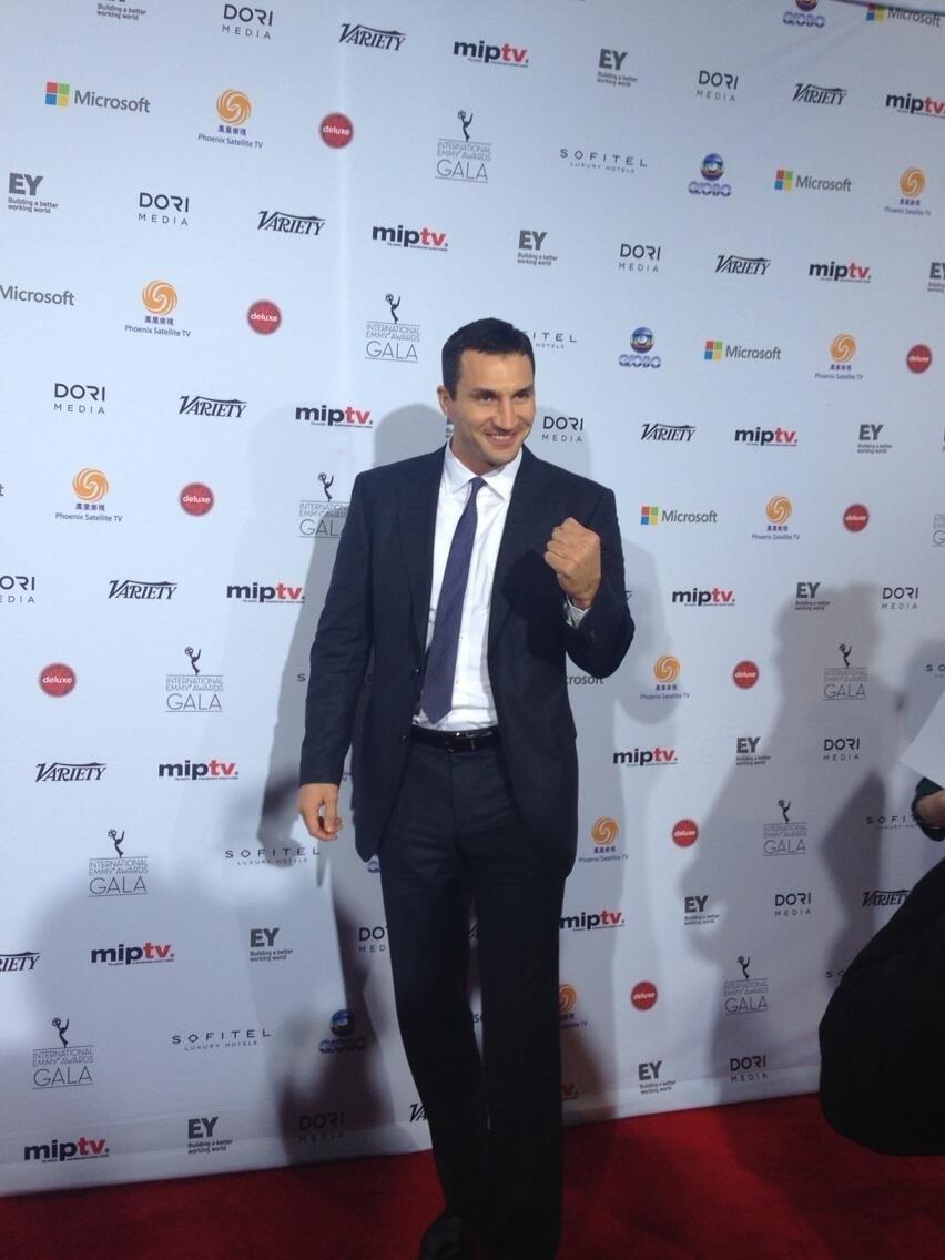 25.nov.2013 - Wladimir Klitschko prestigiou a 41ª edição do Emmy Internacional que acontece em Nova York