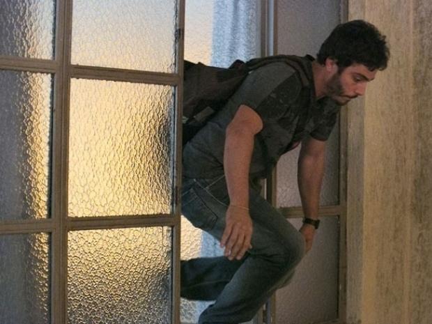 """Em """"Além do Horizonte"""", William invade sala do Líder Jorge e pula pela janela"""