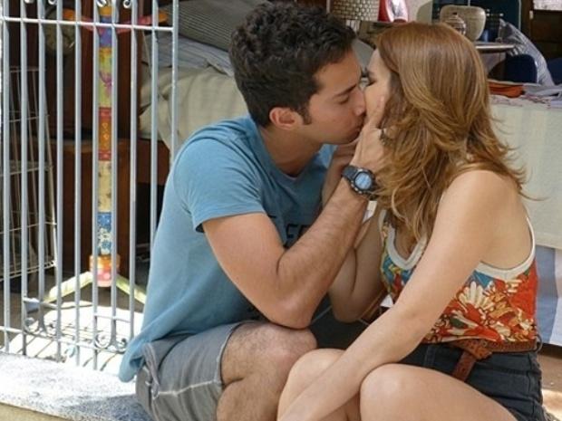 """Em """"Malhação"""", Ben e Anita voltam a ficar juntos e se beijam"""