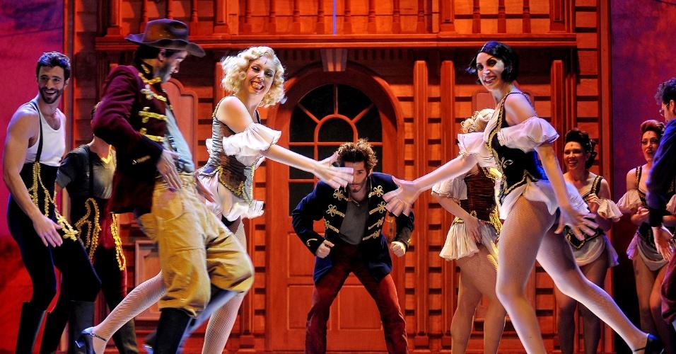 26.nov.2013 - Cena do musical