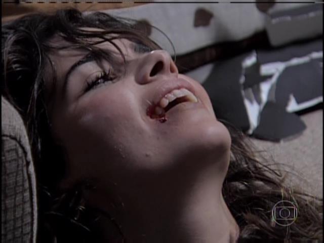 Aline ri de Paloma