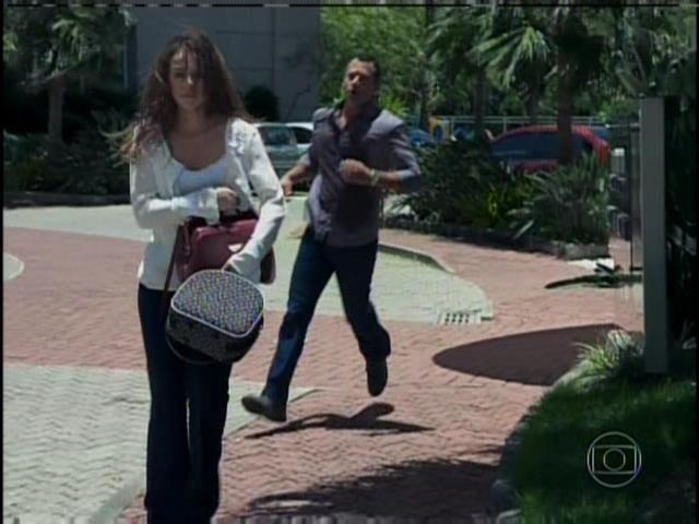 Bruno segue Paloma
