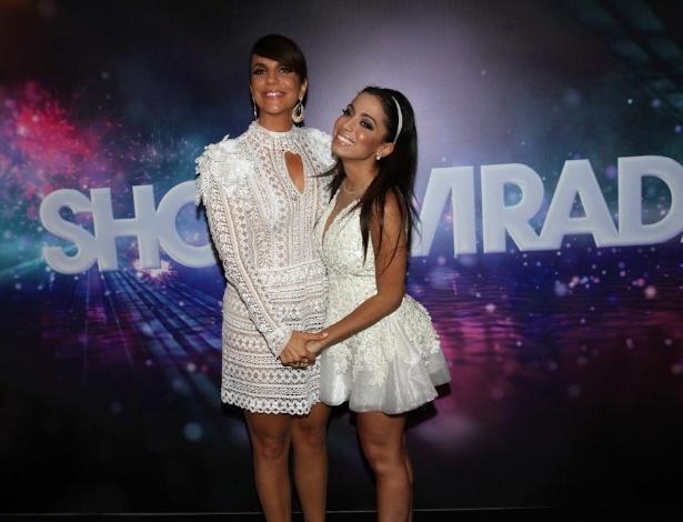 """26.nov.2013 - Ivete Sangalo e Anitta na gravação do """"Show da Virada"""" no Citibank Hall, em São Paulo"""