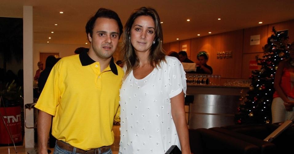 26.nov.2013 - O piloto de Fórmula 1 Felipe Massa e sua mulher, Rafaela