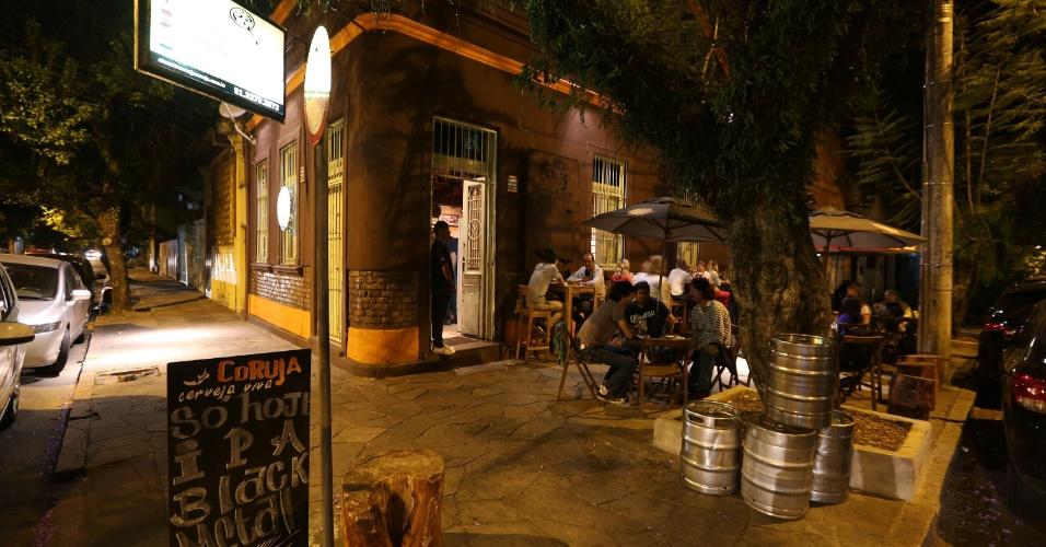 Cervejaria Toca da Coruja, na Cidade Baixa, região boêmia de Porto Alegre (RS). Casa oferece cervejas artesanais