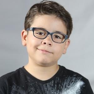 b6416a73c Fotos: Saiba como escolher o modelo certo de óculos para a criança ...
