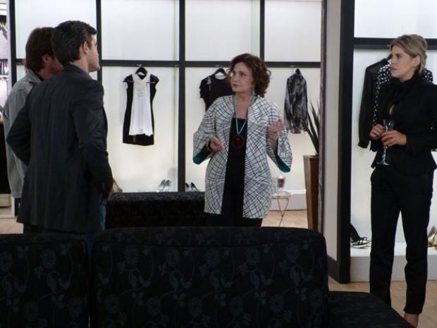 """Em """"Amor à Vida"""", Tamara é presa após armação de Félix"""