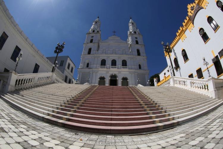 Igreja de Nossa Senhora das Dores é um dos atrativos turísticos de Porto Alegre (RS). Santuário é localizado no centro histórico, na rua dos Andradas, antiga rua da Praia