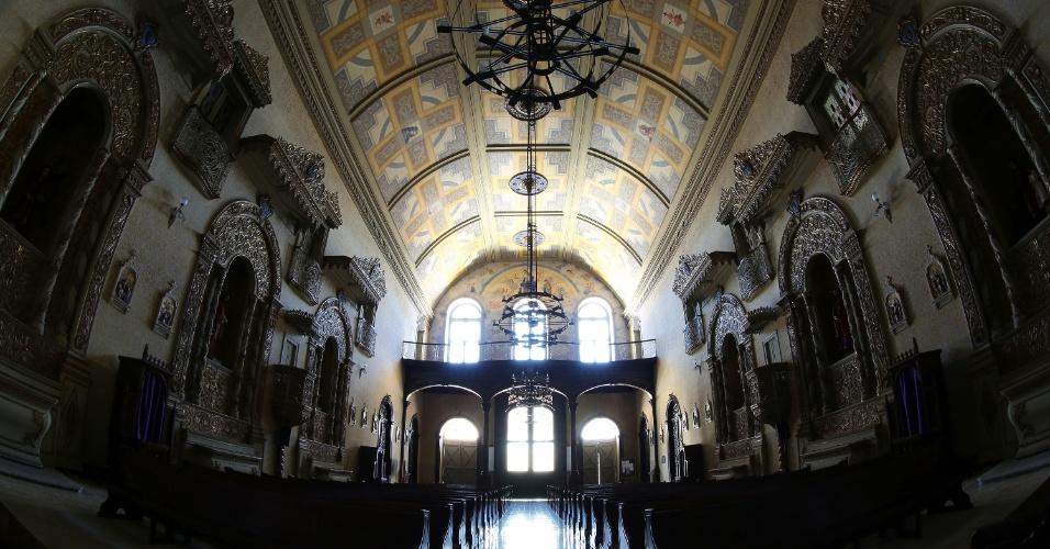 Interior da Igreja de Nossa Senhora das Dores, um dos atrativos turísticos de Porto Alegre (RS). Santuário é localizado no centro histórico, na rua dos Andradas, antiga rua da Praia
