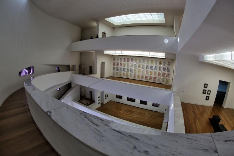 Interior do museu Iberê Camargo, em Porto Alegre (RS),  um dos cartões-postais da cidade