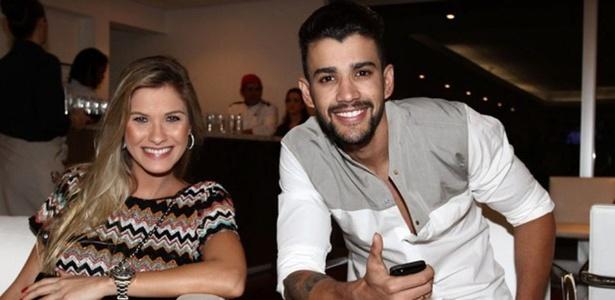 """27.nov.2013 - Gusttavo Lima e a noiva, Andressa Suita, no segundo dia de gravação do """"Show da Virada"""""""
