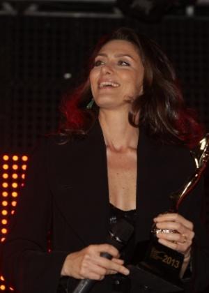 Maria Fernanda Cândido na cerimônia do Prêmio Arte Qualidade Brasil 2013 - Paudardo e Leo Franco/AgNews