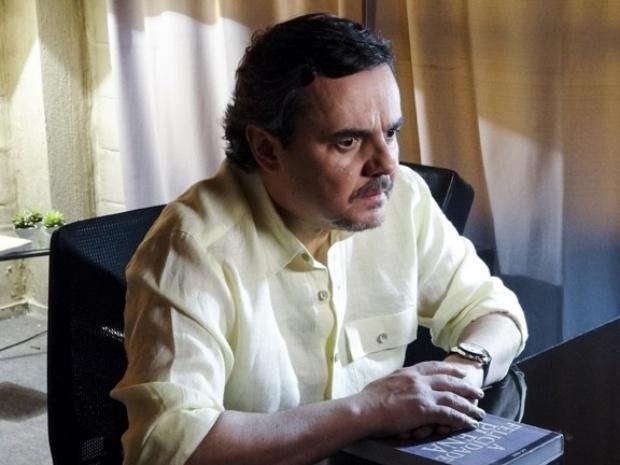 """Em """"Além do Horizonte"""", Jorge descobre que seu computador está sendo vigiado"""