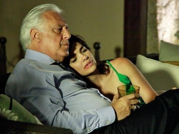 """Em """"Amor à Vida"""", Aline adultera bebida de César"""