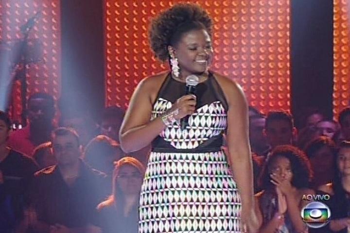 """28.nov.2013 - Nenê Oliveira cantou """"Mutante"""", sucesso na voz de Rita Lee. A cantora deixou a disputa"""