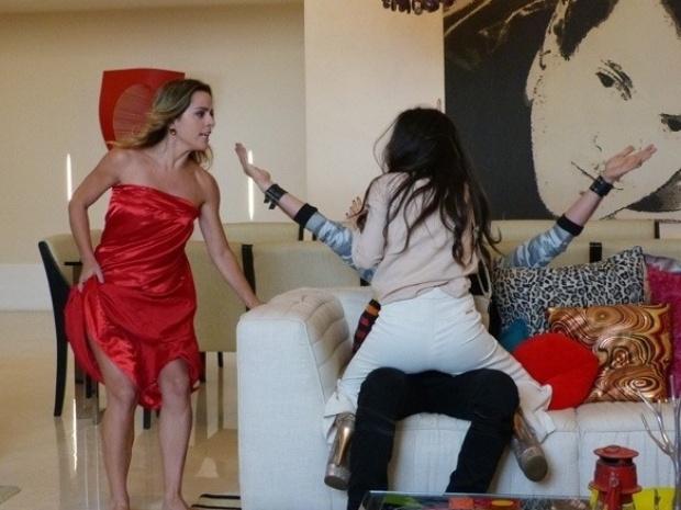"""Em """"Amor à Vida"""", Valdirene ataca o ex-BBB Max"""