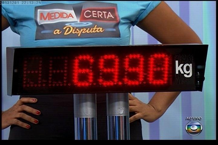 """01.dez.2013 - Quadro mostra o peso de Gaby Amarantos depois de sair do """"Medida Certa"""", do """"Fantástico"""""""