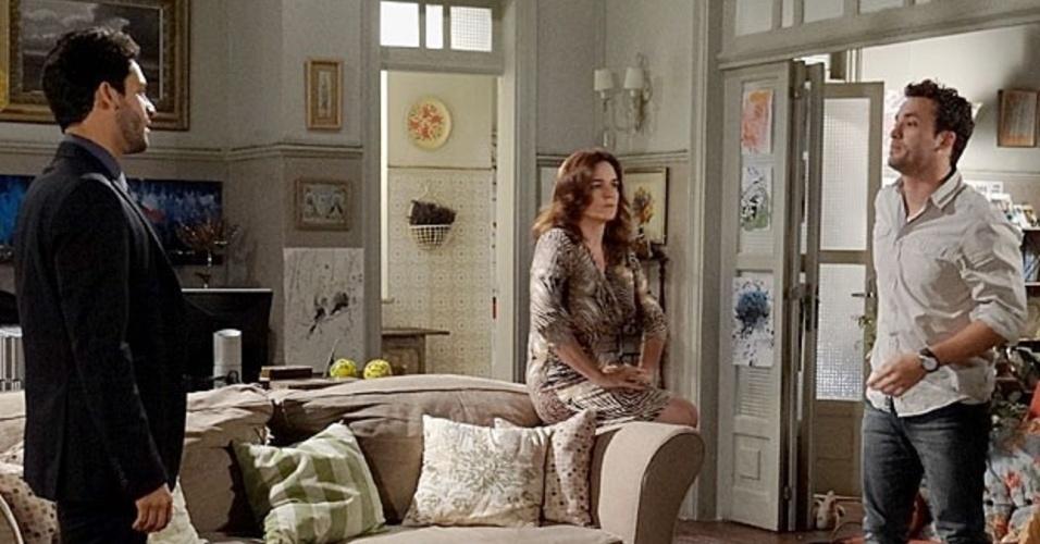 """Em """"Amor à Vida"""", Daniel ameaça Rafael ao desconfiar das intenções com Linda"""