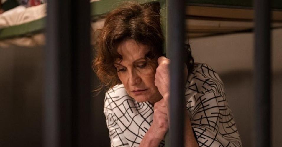 """Em """"Amor à Vida"""", Félix coloca Tamara na cadeia"""