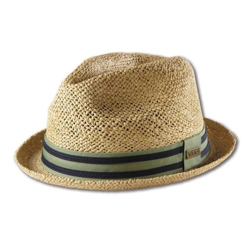 Chapéus combinam com verão  veja modelos para usar na praia e na ... b8da78285df