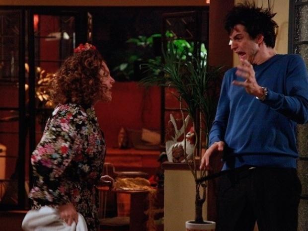 """Em """"Amor à Vida"""", Márcia bate em Félix ao saber que ele ordenou golpe contra ela"""