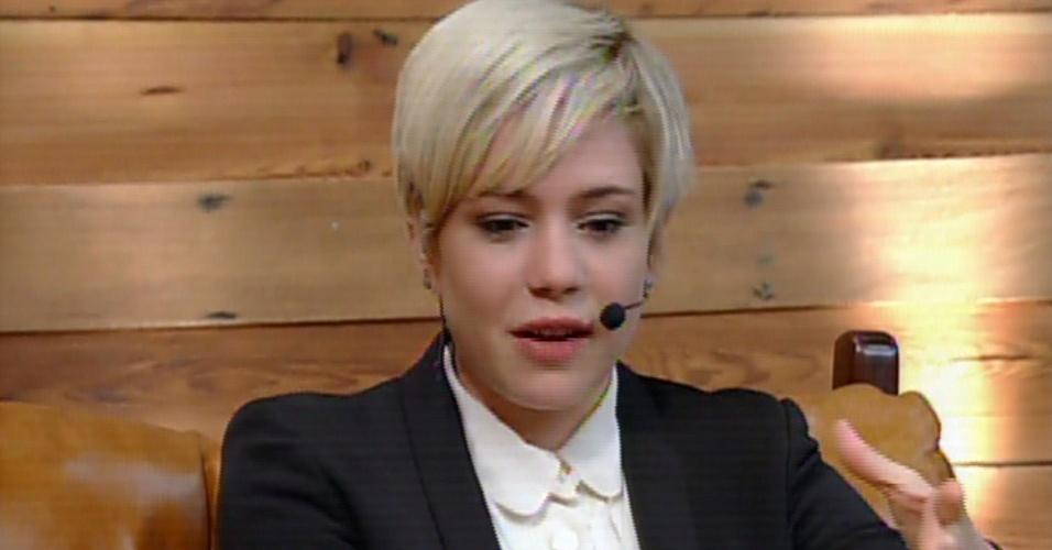 4.dez.2013 - Leandra Leal é entrevistada no