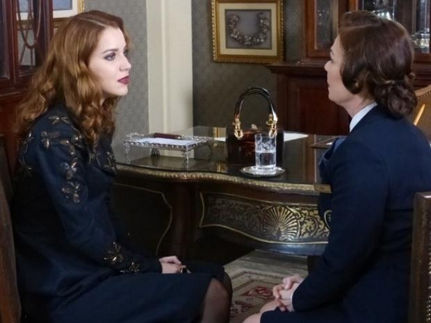 """Em """"Joia Rara"""", Sílvia diz que não podia ter se apaixonado por Viktor"""