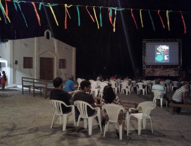 Exibição de curtas da Mostra de Cinema Canavial no assentamento Camarazal do MST, em Nazaré da Mata (PE) - Carlos Minuano/UOL