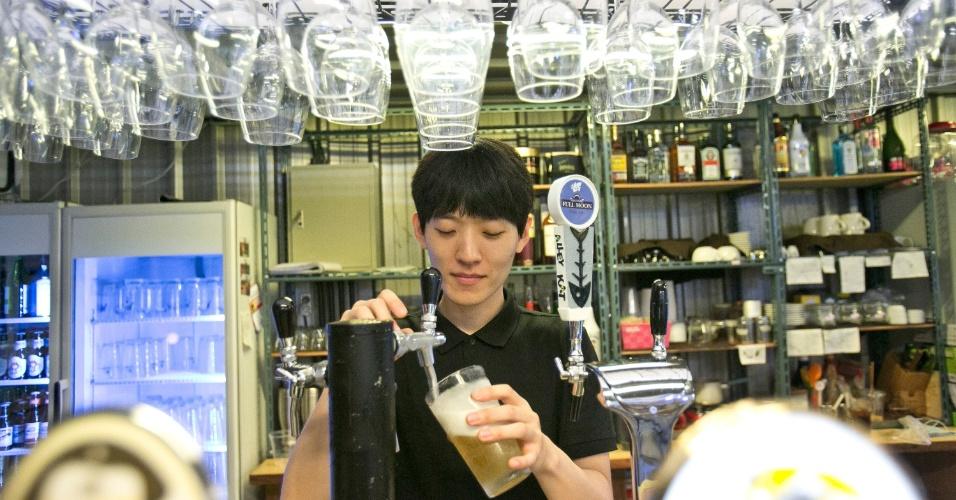 O Mudaeruk é um complexo descolado de Hapjeong, em Seul, que funciona em um prédio industrial antigo, localizado em uma rua sossegada. O espaço funciona café e bar, estúdios de arte, um jardim na cobertura e palcos para a apresentação de bandas indie