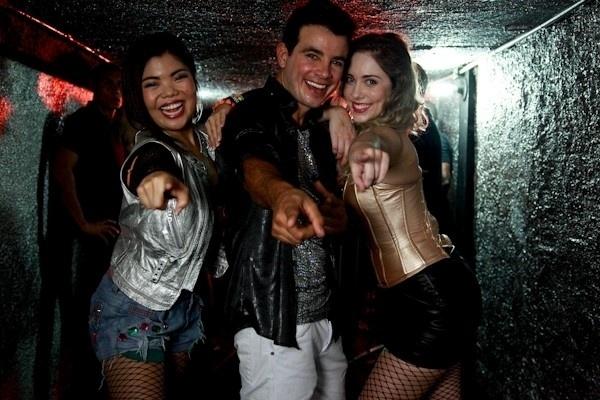 5.dez.2013 - Carlito (Anderson Di Rizzi) fará sucesso com seu funk inspirado em Valdirene e fará sucesso