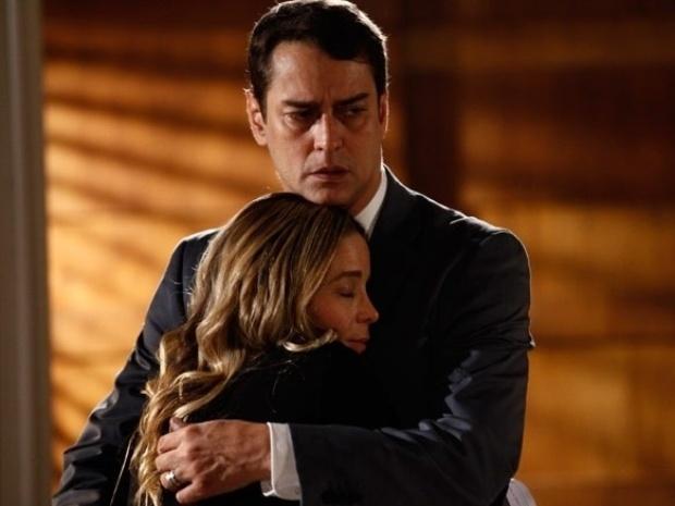 """Em """"Amor à Vida"""", Amarilys convence Eron a fugir da casa de Niko com Fabrício"""