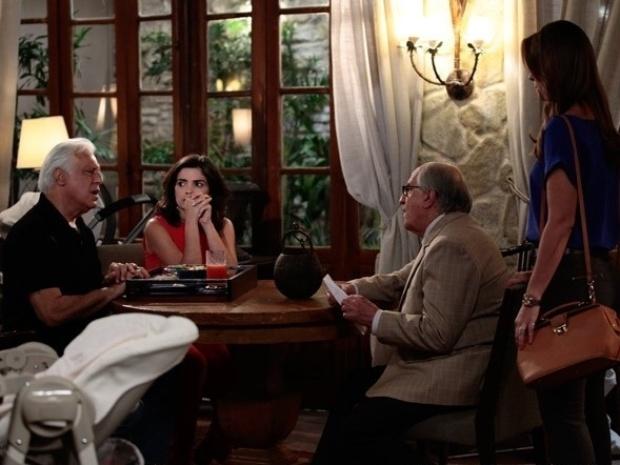 """Em """"Amor à Vida"""", César cogita ir morar com Paloma, mas Aline o impede"""
