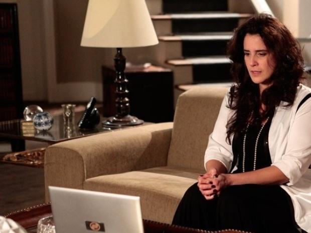 """Em """"Amor à Vida"""", Mariah conta a verdade sobre Aline em vídeo para Paloma"""