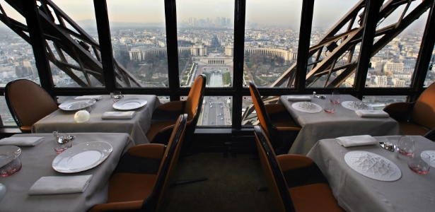 Restaurante da torre eiffel ter menu de 550 euros inspirado em j lio verne 05 12 2013 uol - Restaurante julio verne ...