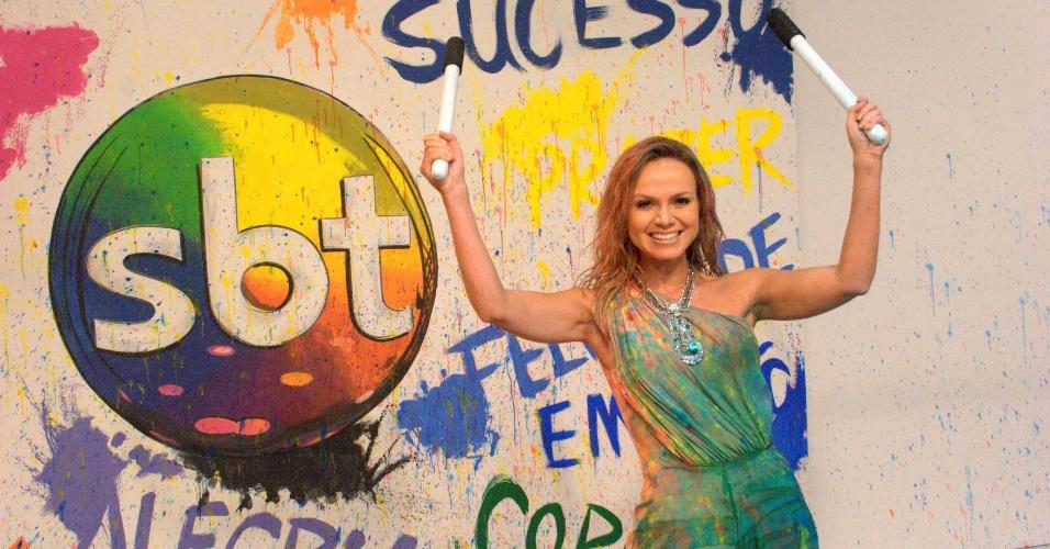 Eliana gravou o especial de fim de ano da SBT toda suja de tinta