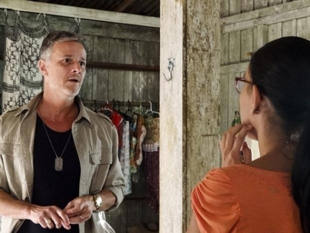 """Em """"Além do Horizonte"""", Kleber procura Celina e leva um fora da professora"""