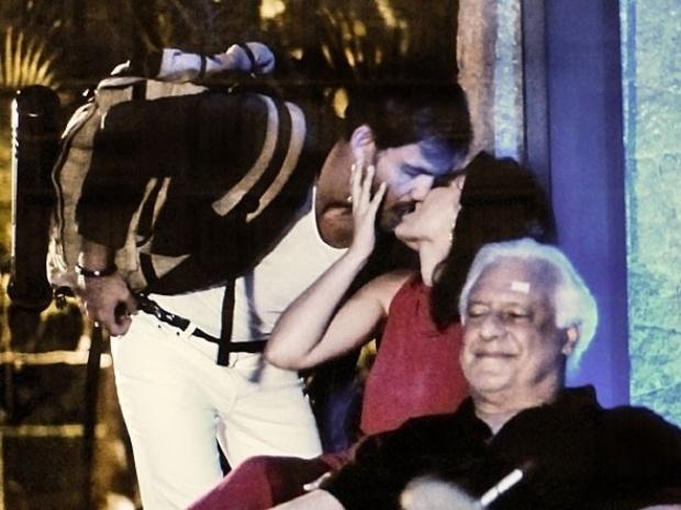 """Em """"Amor à Vida"""", Aline agarra Ninho na frente de César"""