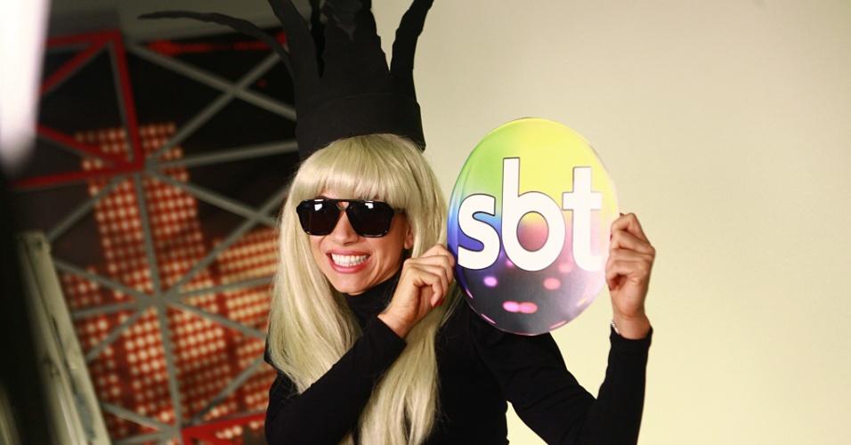 Patrícia Abravanel gravou o especial de fim de ano do SBT caracterizada de Lady Gaga