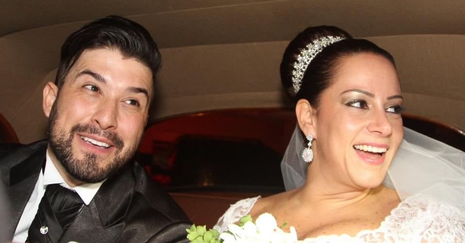6.dez.2013 - Os noivos Edu Pedroso e Silvia Abravanel