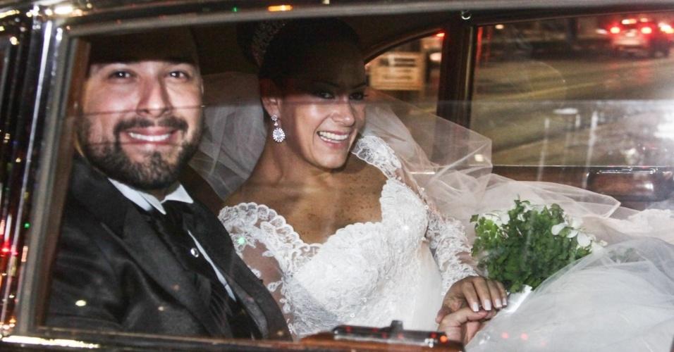 6.dez.2013 - Silvia Abravanel e o agora marido Edu Pedroso