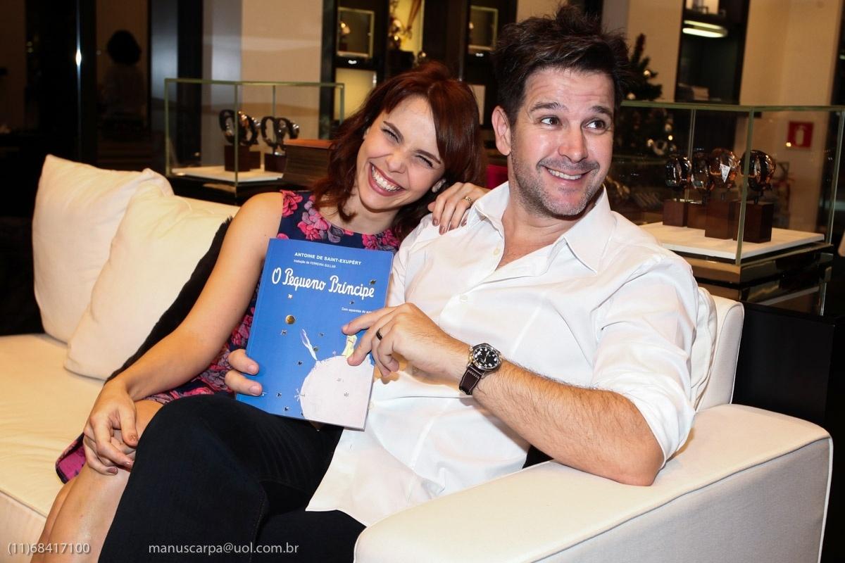 7.dez.2013 - O casal de atores Débora Falabella e Murilo Benício participa de evento em SP