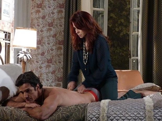 """Em """"Amor à Vida"""", Gigi arma para cima de Ignácio e o faz pensar que passou a noite com ela"""