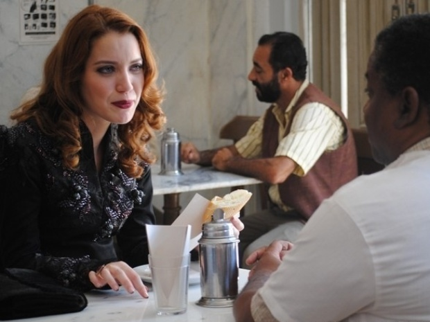 """Em """"Joia Rara"""", Sílvia conversa com Cícero sobre a época em que Catarina era viva"""
