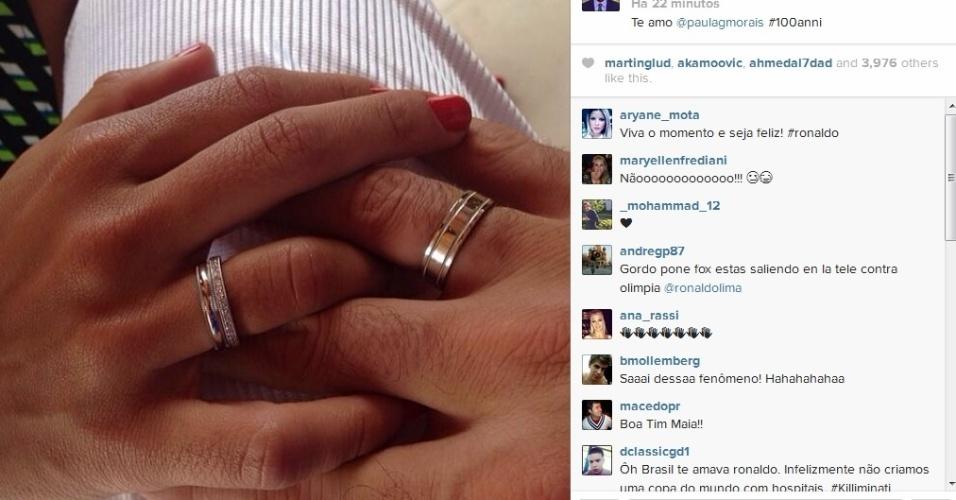 Ronaldo exibiu a aliança de noivado com Paula Morais