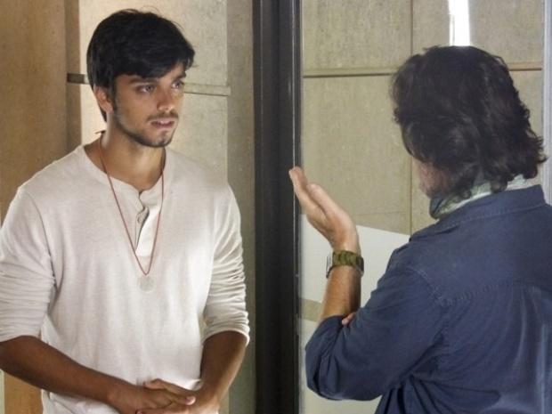 """Em """"Além do Horizonte"""", LC pergunta a Marlon se o jovem tem algum problema com ele"""