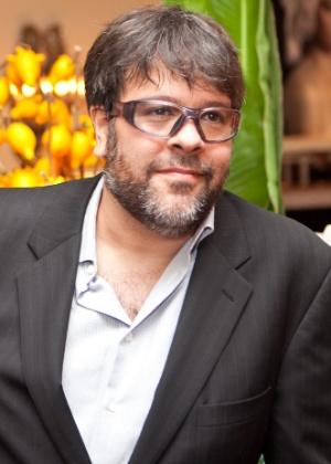 """Publicitário PJ Pereira durante jantar oferecido por Nizan Guanaes para o lançar """"O Livro do Silêncio"""" - Bruno Poletti/Folha Press"""