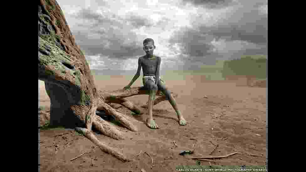 """""""Tempestade de Areia"""", feita no Vale de Omo, na Etiópia, por Carlos Durante, concorre no prêmio no Sony World Photography 2014 - Carlos Duarte/Sony World Photography 2014"""