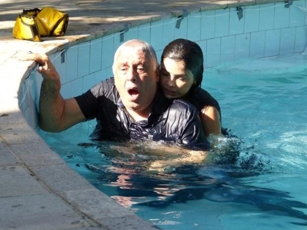 """Em """"Amor à Vida"""", Aline salva César de afogamento"""